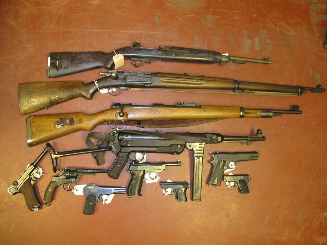 Over 68.000 våpen er registrert på døde personer. Nå kommer Riksrevisjonen med kritikk mot politiets oppfølging av disse våpnene.
