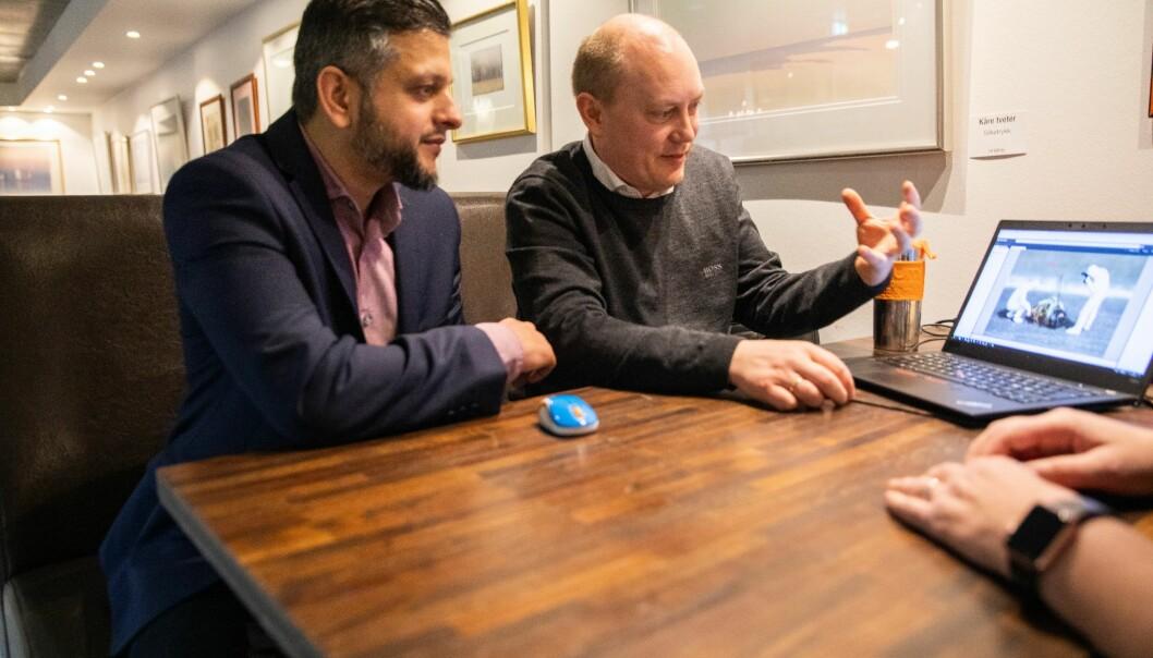 Faisal Mahmood har tilpasset programvaren som Olav Andreas Frenning og selskapet FotoWare har utviklet til britisk politi.