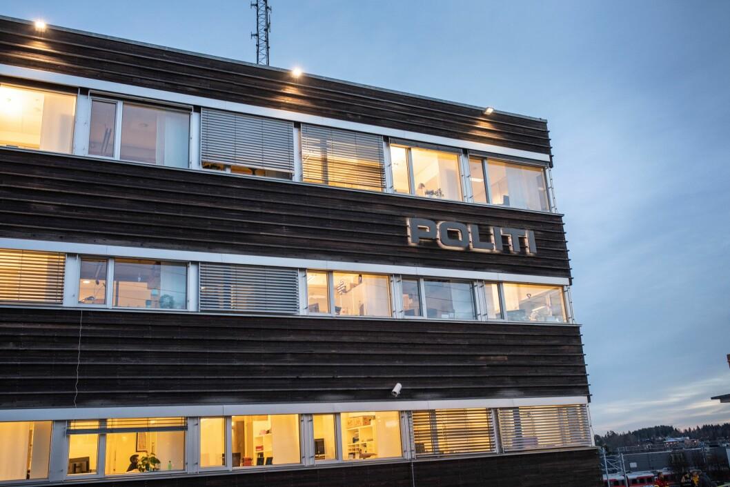 Politihuset i Ski mottok onsdag morgen en skarp bombe.