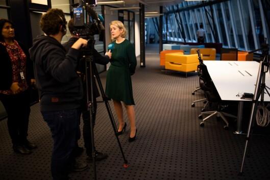 Benedicte Bjørnland fortsetter som PST-sjef til 1. april. I dag måtte hun derfor også svare på spørsmål om drapene i Marokko.