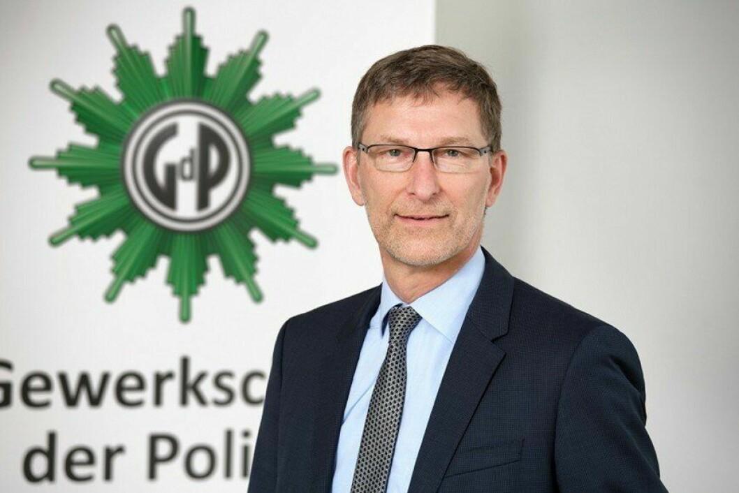 Oliver Malchow er formann i Gewerkschaft der Polizei, det største politiforbundet i Tyskland. Han advarer om at tysk politi kommer til å bli ekstra presset de neste årene.