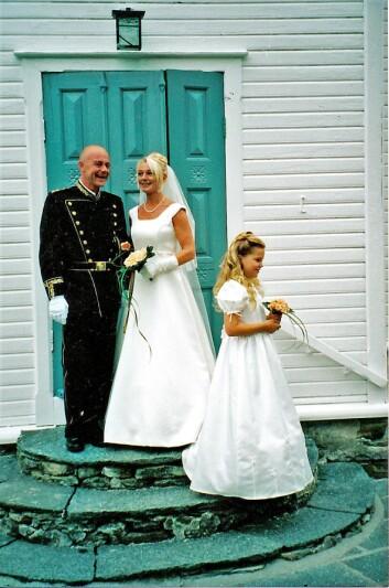 HELL I KJÆRLIGHET: Stian Elle og Sølvi Ersland giftet seg på hans 40-årsdag, den 4. august 2000. Erslands datter var brudepike.