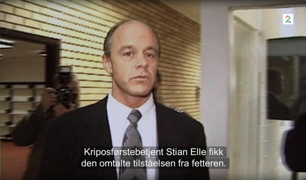 ØYEBLIKKET: Stian Elle er på vei inn for å vitne i Birgitte Tengs-rettssaken.