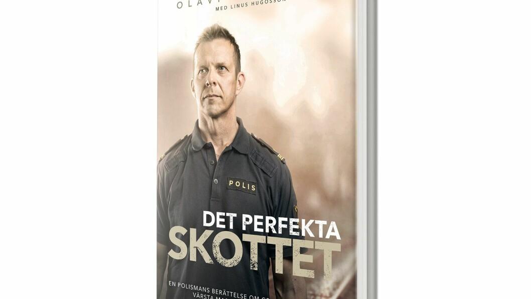 Politimannen Olavi Blomfjord deltok i skuddvekslingen da Flink ble skutt og pågrepet. Han har skrevet bok om hendelsen.