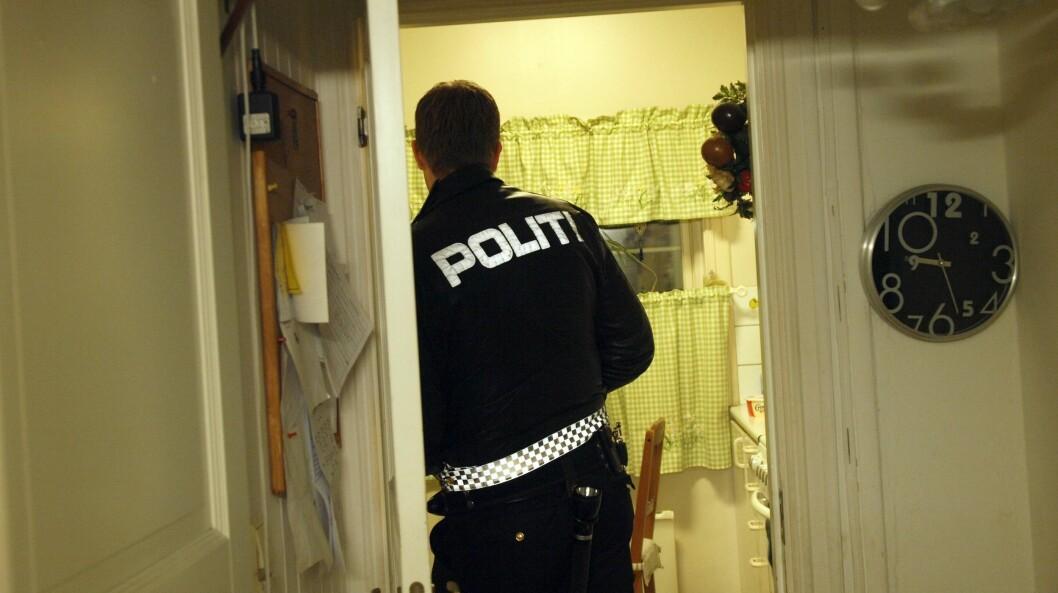Politi utkalt til husbråk.