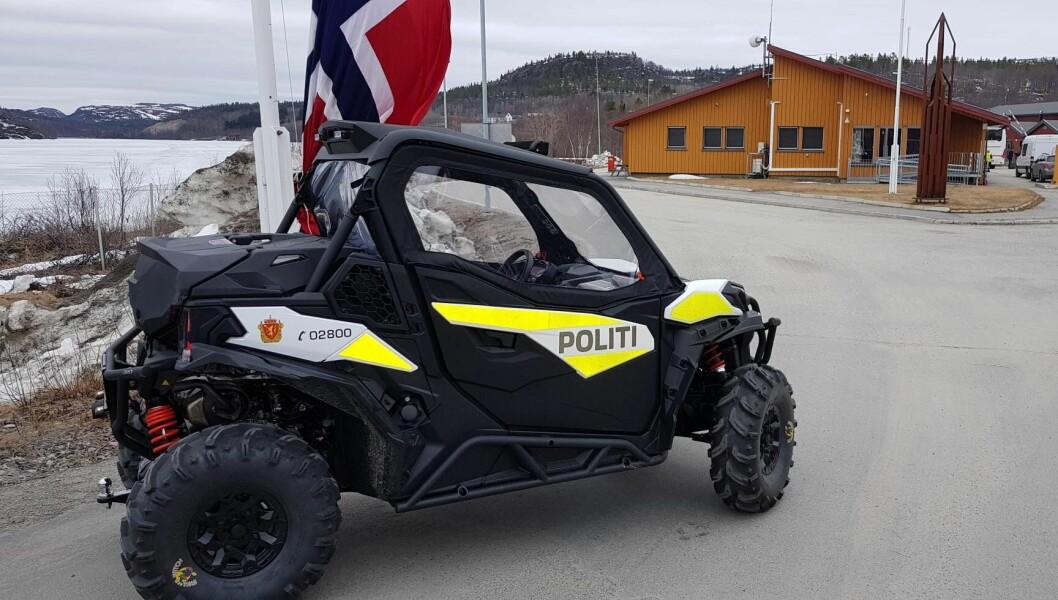 Finnmark politidistrikts nye UTV ved grensepasseringstedet på Storskog.