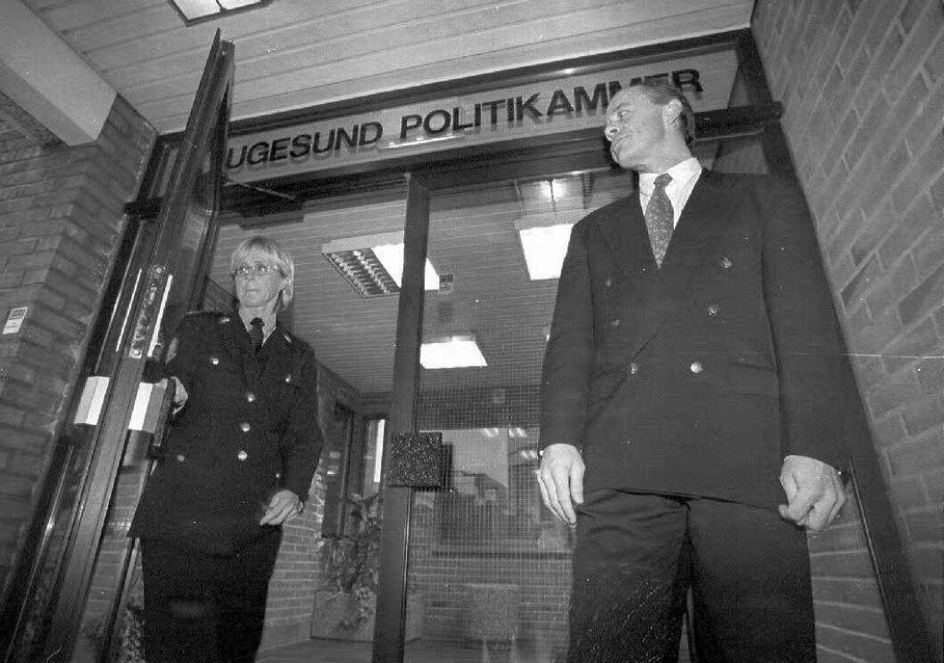 OPPKLARINGEN: Politiinspektør Gro Rossehaug og Kripos etterforsker Stian Elle møter pressen etter at fetteren til Birgitte Tengs har tilstått å ha drept kusinen.