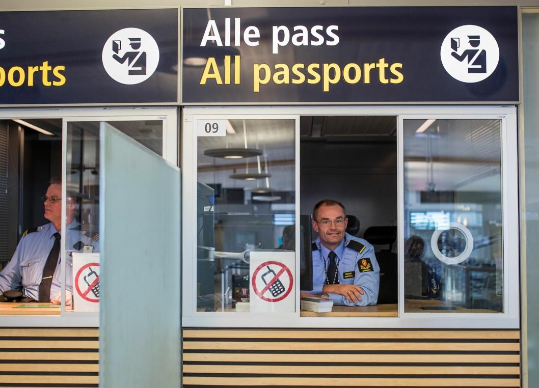 Nødpass er gyldig kun for én reise og må leveres til politiet, passkontoret eller grensekontrollen når man kommer tilbake fra reise.