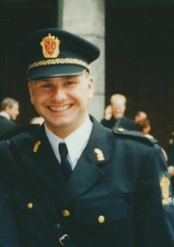 LILLEBROR: Stian som nyutdannet politimann etter uteksamineringen fra Politihøgskolen i 2002.