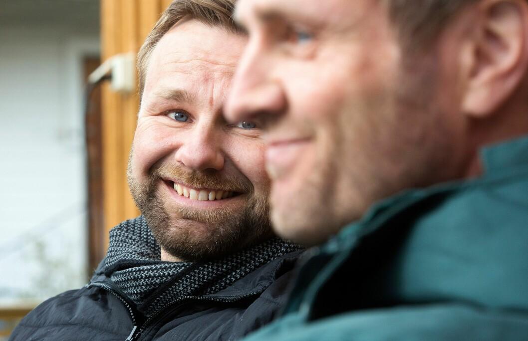INSPIRASJONSKILDE: Lillebror Stian lar seg inspirere av storebrorens møte med politikollegaen Kjellbjørn. - Arman har nok også bidratt til at jeg ser skjebnen bak hver enkelt person bedre enn jeg hadde gjort ellers, sier han.