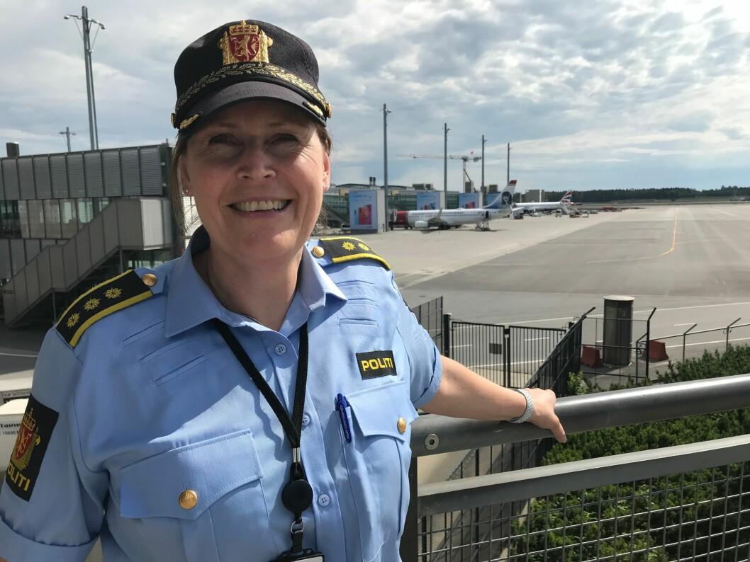 HEKTISK PÅ FLYPLASSEN: Politistasjonssjef ved Gardemoen politistasjon, Grethe Løland, bruker ferien til å nullstille.