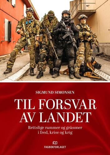 Boka «Til forsvar av landet» tar blant annet opp grensesnittet mellom Forsvarets og politiets oppgaver.