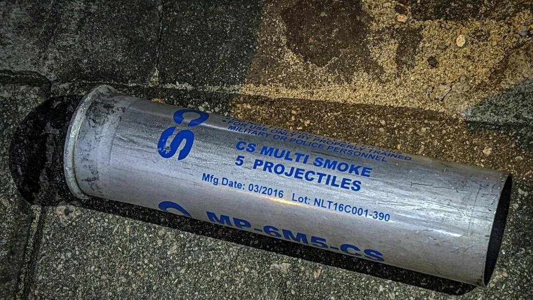 Illustrasjonsfoto av CS-gass, også kalt tåregass.