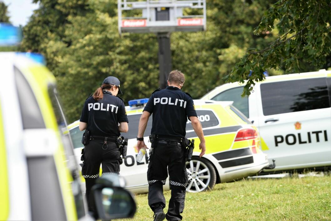 Steinar Larssen mener NRK har tatt utgangspunkt i en journalistfaglig modell med konflikt mellom to eller flere parter, og mener de unnlot viktig informasjon i en artikkel om politiets narkoaksjon på i Haugesund og på Karmøy.Bildet er et illustrasjonfoto, og er tatt under Norway Cup.