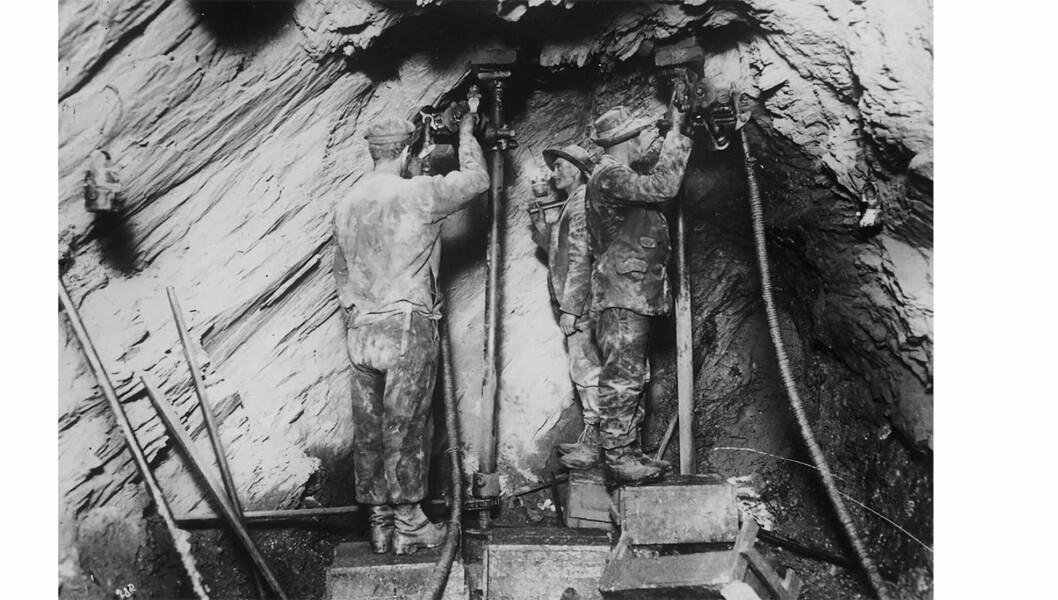 GRUVEDRIFT: Arbeidsforholdene i gruvene i Sulitjelma var svært harde. De ble bedre etter at arbeiderne organiserte seg.