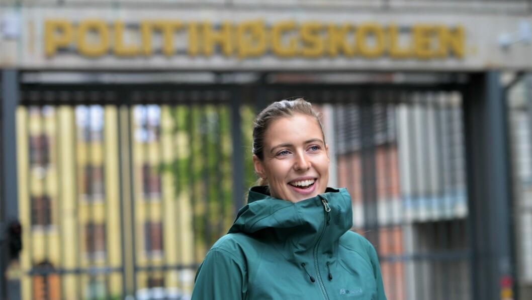 Leder av PF Politistudentene, Lisa Figenschou, ønsker god jul til alle sine medstudenter.