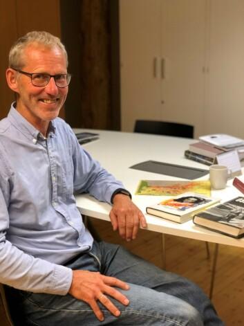 DYKK I ARKIV: Forfatter Tor Busch har skrevet boka, som bygger på grundige studier av norske, svenske og britiske arkiver, i tillegg til private arkiver som etterlatte etter de ni personene har stilt til rådighet.