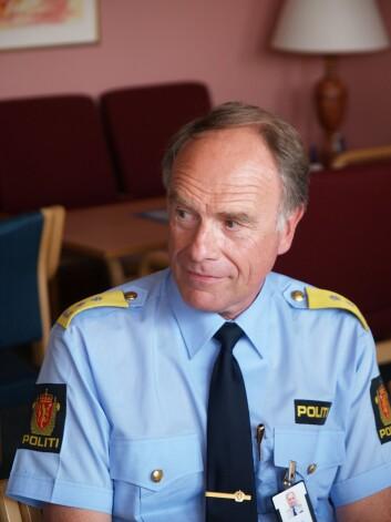 Ragnar Auglend begynte som forsker ved juridisk fakultet ved UiB etter at han sluttet som politimester. Han har skrevet flerepolitifaglige bøker.