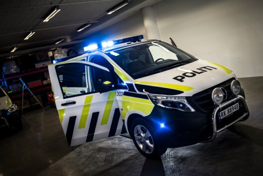 FORNØYD MED VITO: Mercedes-Benz Vito er allerede i bruk som politibil mange steder i landet. Nå har politiet bestemt seg for å bestille flere av den.