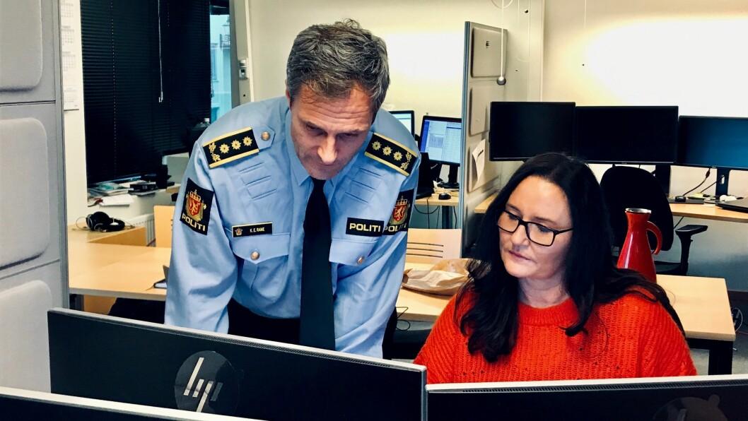 NYTT VERKTØY: Knut Erik Rame, leder for digitalt politiarbeid i Sør-Vest politidistrikt, og programmerer AnneHeradstveit har arbeidet med det nye programmet, i samarbeid med etterforskerne i Operasjon Spiderweb.