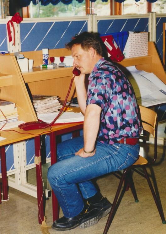 ARBEIDSSOM: Hans Roar Rasmussen på jobb under en tidlig fase av etterforskningen.