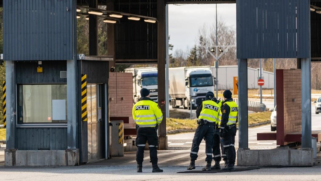 De 150 første nyansatte blir fordelt til politidistrikter som nylig har blitt pålagt oppgaver innen grensekontroll. Bildet er tatt på Svinesund i mars. Foto: Thor Håkon Ullstad/Tolletaten
