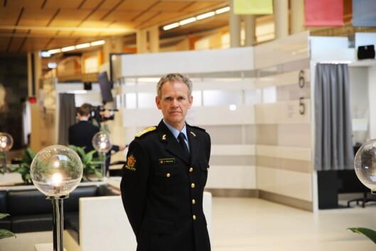 Assisterende politidirektør Håkon Skulstad forteller at det er satt i verk flere smitteverntiltak hos politiet i hele landet, i forbindelse med at publikumstjenestene åpner igjen.