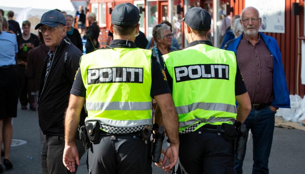 ILLUSTRASJON: Flere politidistrikter er nå i gang med å utlyse og ansette flere i faste stillinger, melder POD i en pressemelding. Bildet er tatt under Arendalsuka i 2019.