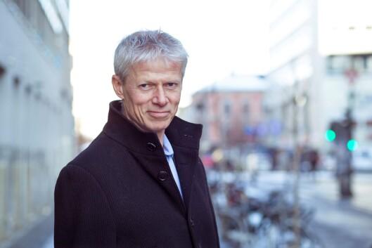 Skattedirektør Hans Christian Holte, mener økonomisaker lett kan tape både oppmerksomhet og ressurser når det er behov for umiddelbare reaksjoner i andre saker - særlig de som berører liv, helse og alvorlige overgrep.