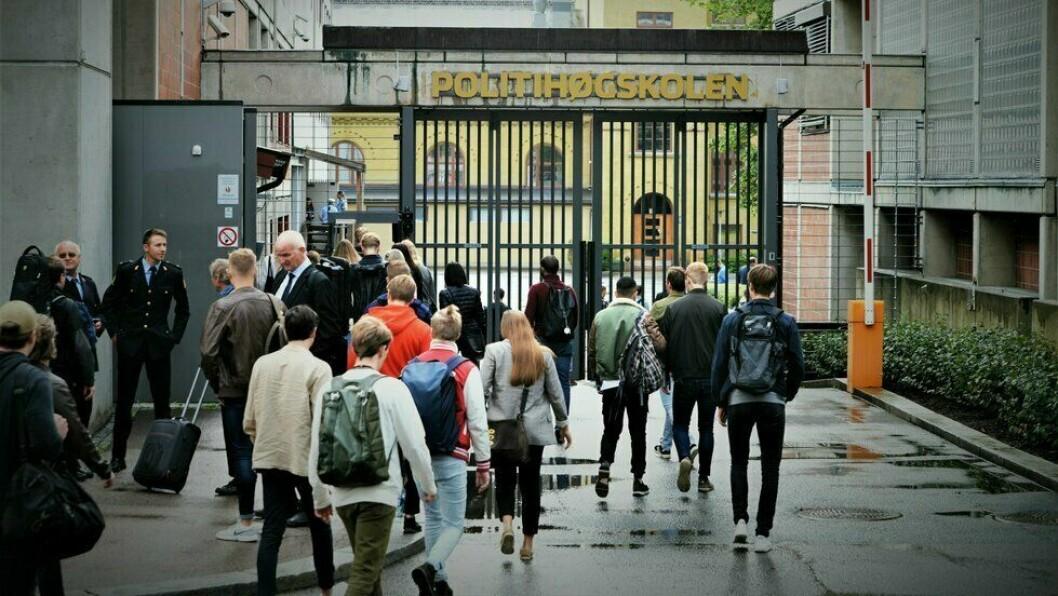 100-ÅRSJUBILANT: Politihøgskolen (PHS) markerer at det i 2020 er 100 år siden politiutdanningen startet i Norge. Høydepunktet i markeringen er en 400 siders antologi om politiutdanningen. – Så kommer det også en del utviklingsprosjekter og fagrapporter, og forhåpentligvis noen podkaster og videosnutter i løpet av jubileumsperioden, sier Vanja Lundgren Sørli ved PHS.