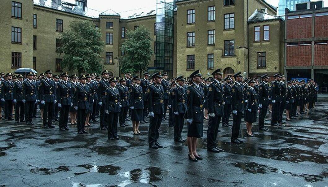 Mørke skyer over PHS-studentene i Oslo. Bare halvparten fikk jobb i fjor.