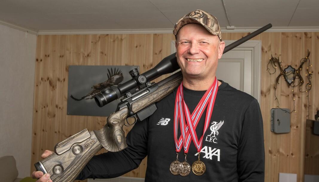 Wemunn Aabø jobber med våpenforvaltning i politifagavdelingen i POD. På fritiden har han sanket medaljer i skyttersport.