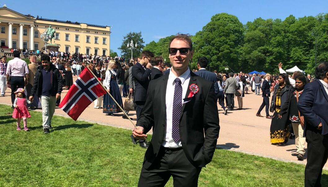 FLAGGDAG: Daniel har bodd i Norge i tre år, og i år ble han endelig norsk statsborger og kunne søke Politihøgskolen. Her fra 17. mai i 2019.