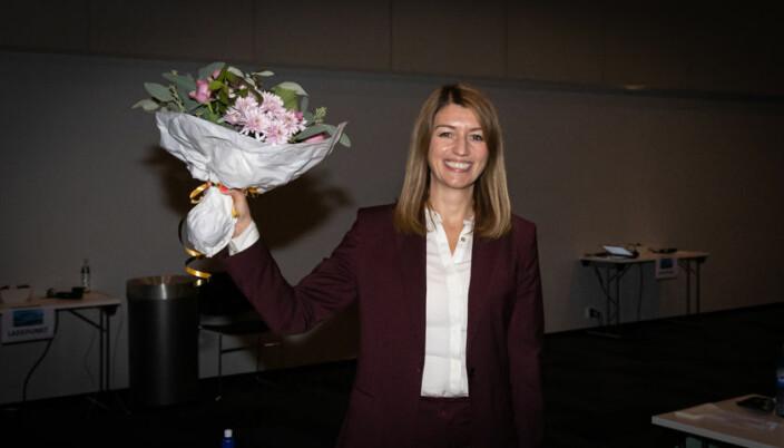 Guro Angell Gimse smiler bredt etter å ha blitt valgt som leder av Høyres Kvinneforum.