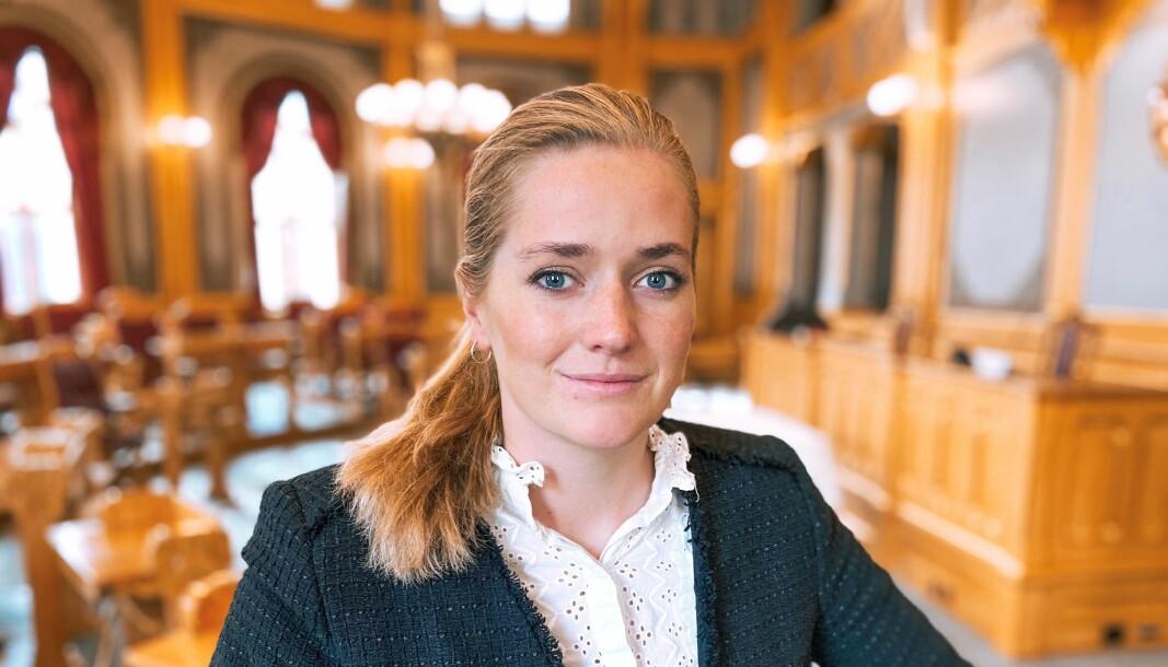 – ALVORLIG: – Vi trenger beredskap, det er selvsagt enda mer naturlig den dagen dronepilotene skulle ha onde hensikter. Jeg er bekymret for at Regjeringen ikke tar droner alvorlig, sier stortingsrepresentant Emilie Enger Mehl.