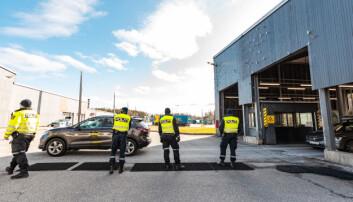 Politiet har fått ekstra oppgaver i forbindelse med koronapandemien, blant annet ved at det er innført indre Schengen-grensekontroll.
