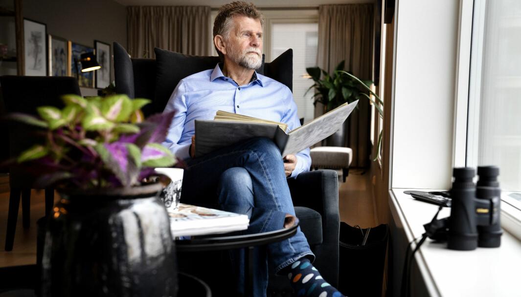 POLITIBLIKKET: I 47 år har Ernst K. Rossebø hatt et skarpt politiblikk for etterforskning, lov og orden sørvest i landet. Med kikkerten for hånd, følger han fremdeles med, men på lengre avstand enn før.