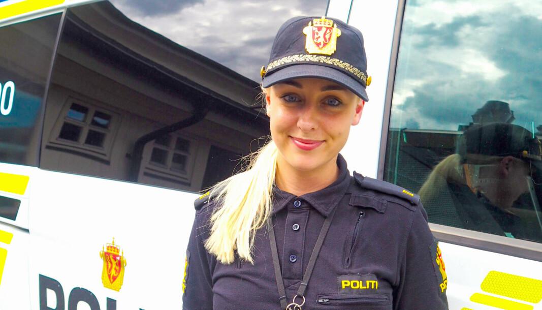 FØRSTE GANG I UNIFORM: – Jeg ble tatt imot med åpne armer da jeg hadde praksisår på Fagernes lensmannskontor, skriver politistudent Hanne Brustad.