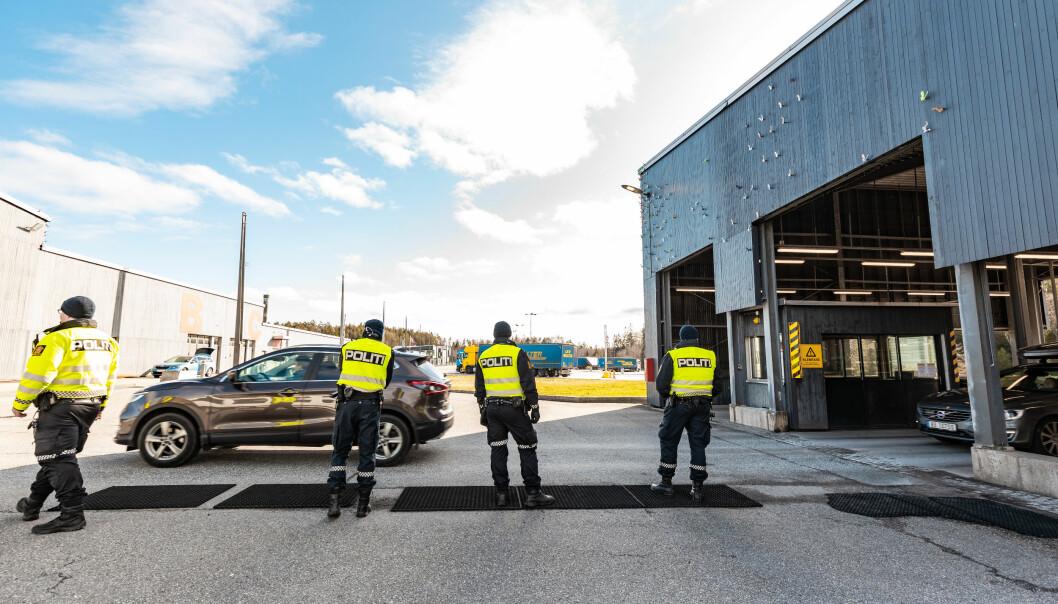 Den siste tiden har både en langvarig pandemikrise og leirskredet i Gjerdrum satt sine spor. Her fra grensekontroll i forbindelse med koronapandemien.