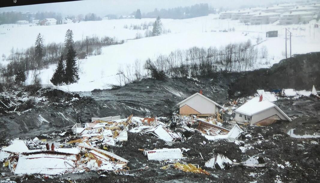 Mellom 800 og 850 personer er fremdeles evakuert etter leirskredet på Ask i Gjerdrum i romjula.