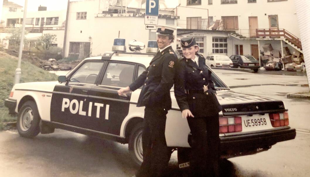 DEN GANG DA: For Inger-Lise Brøste har det aldri vært et annet alternativ enn å bli politikvinne. Her som politiaspirant hos Borgund og Sula lennsmannskontor i 1989, sammen med lensmannsbetjent Errol Nilsen.