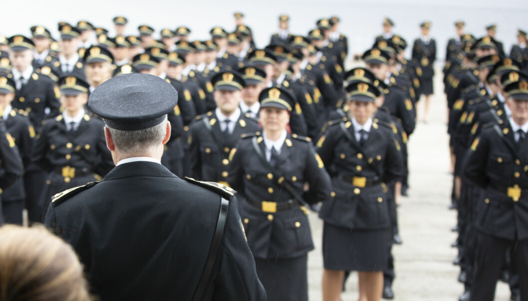 Bildet er tatt under uteksamineringen av politistudenter ved Politihøgskolen i Stavern i 2019.