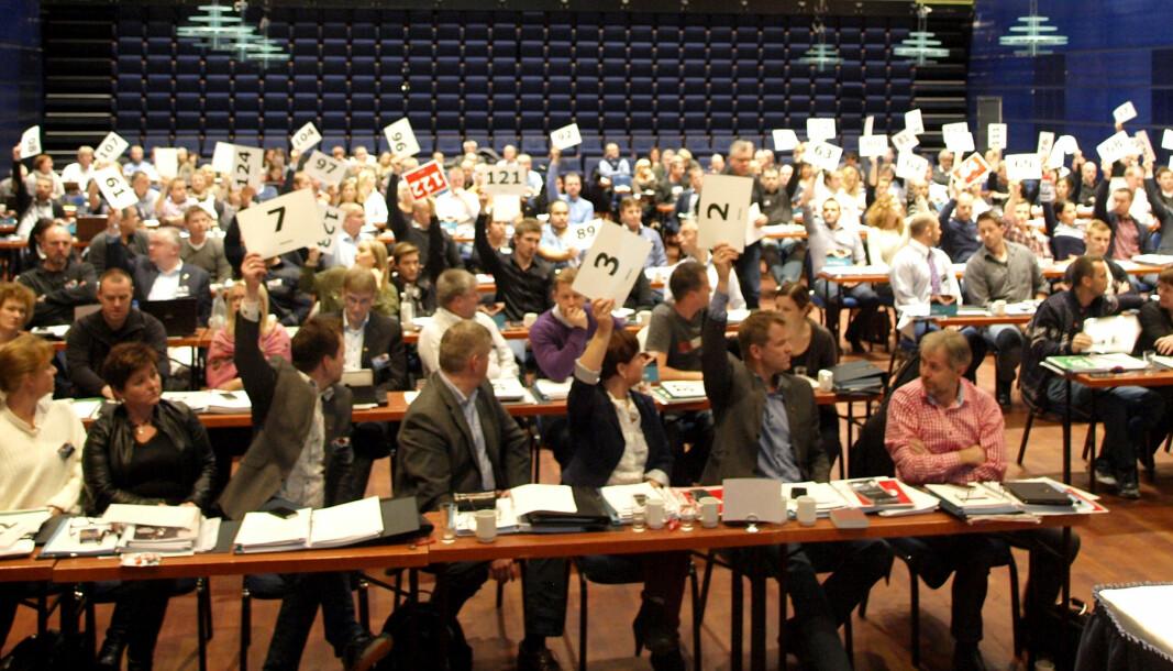 VENDEPUNKTET: Det er stille i salen når de 124 stemmeberettigete delegatene på Politiets Fellesforbunds landsmøte i 2012 stemmer over bevæpningsspørsmålet. Minutter senere er det klart: Nå skal PF jobbe for et generelt bevæpnet politi.