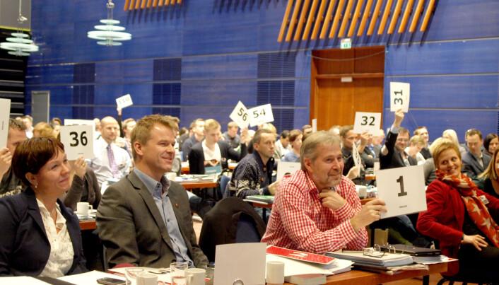 KAMPHANER: Landsmøtet i Molde i 2012 ble Arne Johannessens (til høyre) siste som leder for Politiets Fellesforbund. Et drøyt halvår senere gikk han av, og Sigve Bolstad (til venstre) rykket opp fra nestleder til leder.
