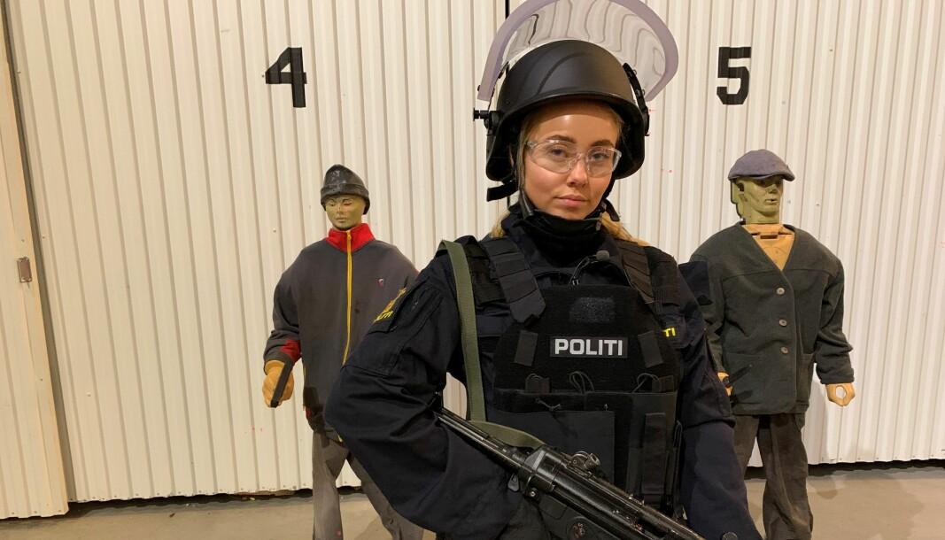 I TV2-serien «Martine vil bli politi» får blogger Martine Lunde prøve seg som politi.
