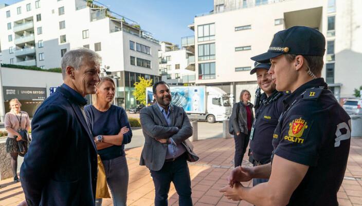 Jonas Gahr Støre traff politifolk og fagfolk innenfor rus og psykiatri i Drammen.
