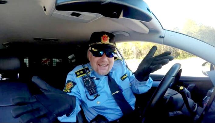 DANSELØVEN: Stig Tonsjø ble kjent over hele landet som «den dansende politimannen» da en video av ham som danset til Rihannas «Please don't stop the music» gikk viralt i 2016.