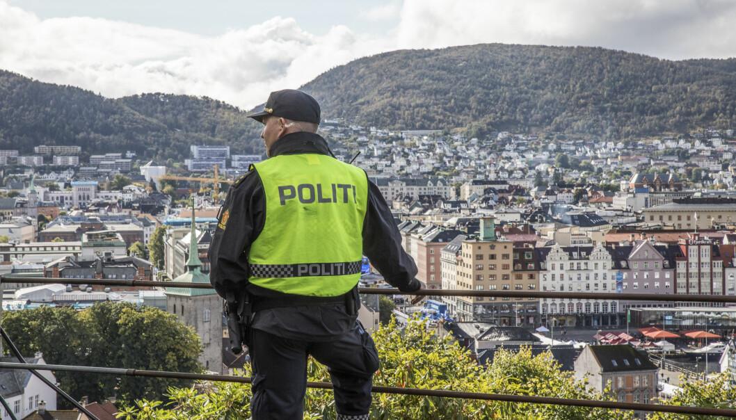Innleggsforfatterne ved Fana videregående skole i Bergen mener tilbakemeldingene på politiet den siste tiden har hatt en ensidig negativ vinkling. Den siste tiden har det vært debatt om rusreformen, og forebyggerene på Osterøy.