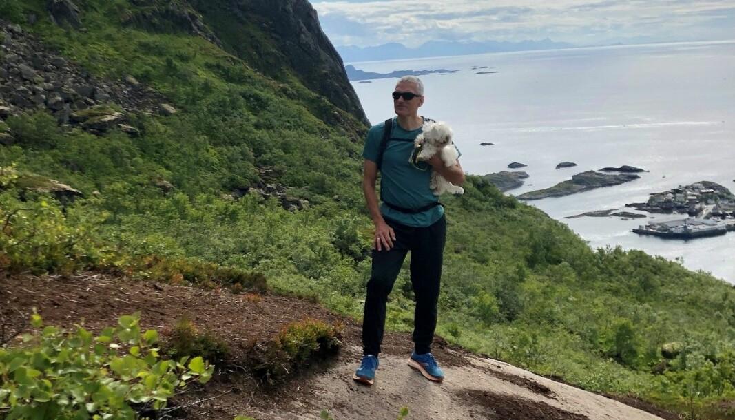 Andreas Nilsen på en fjelltur i Lofoten.