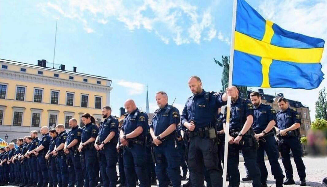 Svenske polititjenestemenn minnes sin drepte kollega.